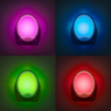 orientacna rgb led lampa do zasuvky